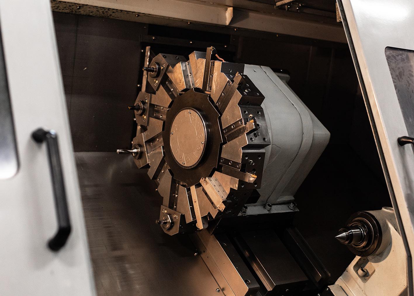 puma 350A tournage atelier reco mecanique valais sierre salgesch